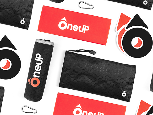Oneup ; saves ; france ; bouée ; sauvetage ; auto-gonflante
